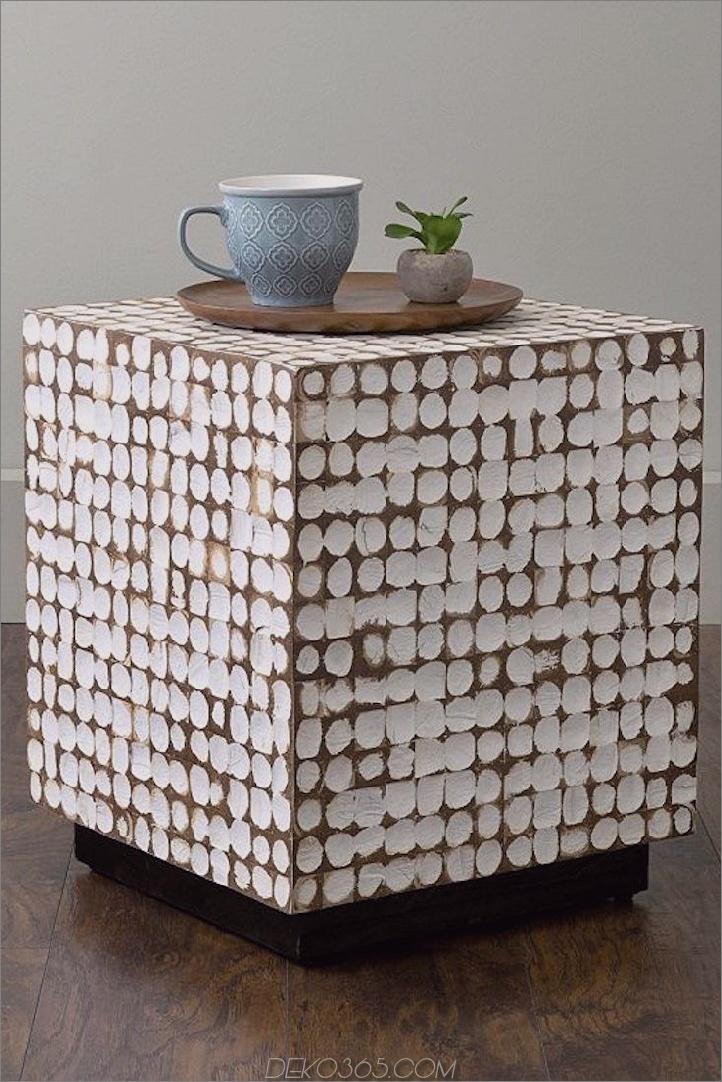 Holzblock und weißer Beistelltisch 15 Einzigartige Beistelltische, um jeden Raum des Hauses zu beleben