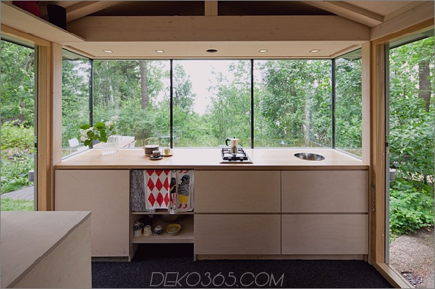 15-tiny-gateway-holiday-cabin-designs-12b.jpg