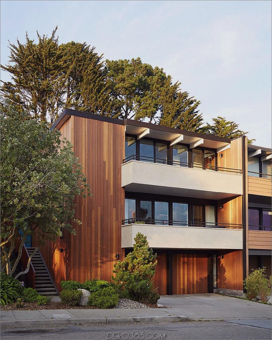 Kayu Batu Holz Abstellgleis kontrastiert mit schwarzem Rahmen, was immer für ein stilvolles Aussehen sorgt. 1962 Eichler Home Remodel in San Francisco von Klopf Architecture
