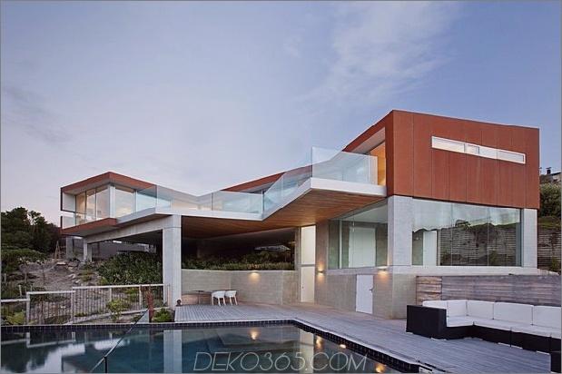Hauspool mit 2 Ebenen ragt über die Klippe 1 Rückansicht thumb 630xauto 32018 Haus mit 2 Ebenen und Pool ragt aus der Klippe heraus