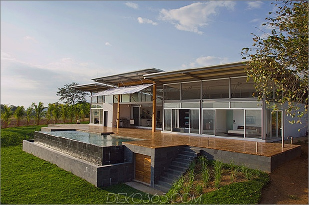 2-verstellbare Traufe schaffen thermischen Komfort-Glas-Haus-13-pool.jpg