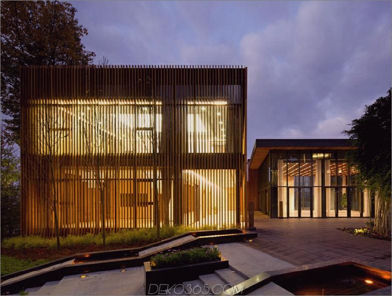 Innhouse mit Holz verkleidet