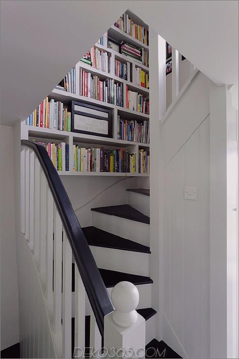 Kleine Bücherregal-Treppe