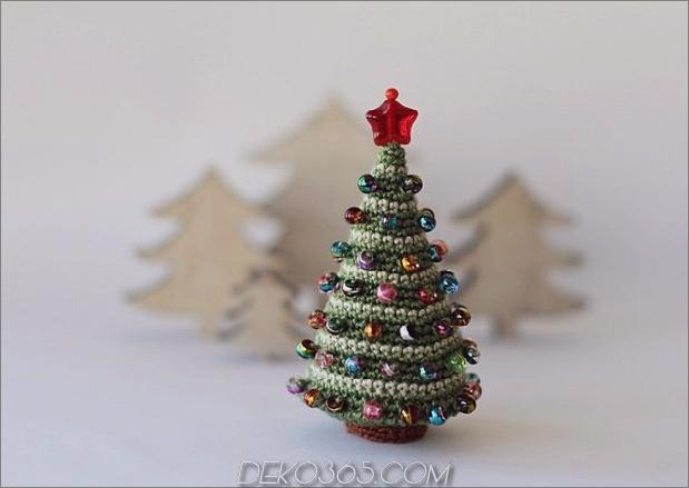 21-Tischgröße-Weihnachtsbäume-zum-Einstellen der Feiertagsstimmung-3.jpg