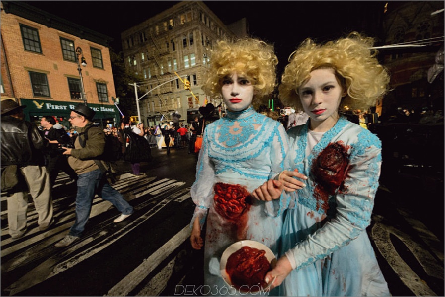 Dorf-Halloween-Parade