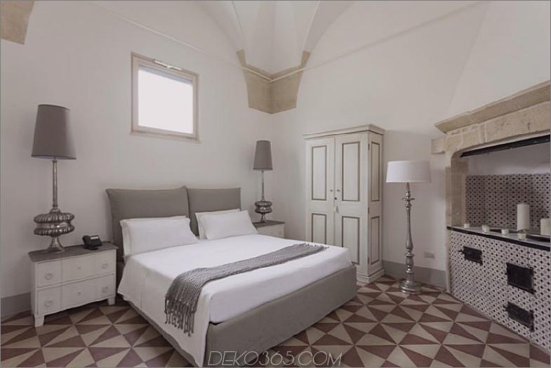 Lecce Gästehaus Schlafzimmer mit Fliesenboden
