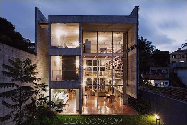 3-stöckige Wandbücher schaffen Privatsphäre zeitgenössisches Zuhause% 20 2 exterior thumb 630xauto 35812 3-stöckige Wand der Bücher schafft Privatsphäre für zeitgenössisches Zuhause