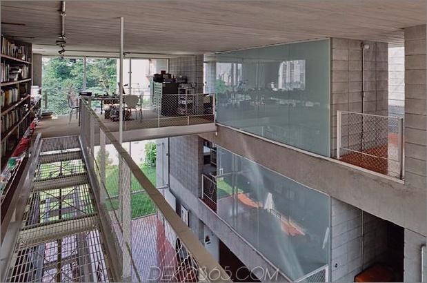 3-stöckige-Wand-Bücher-erstellt-Privacy-Contemporary-Home -6-Bibliothek Rampens.jpg