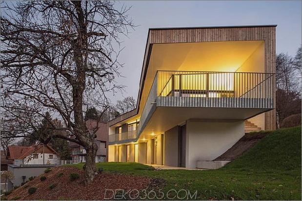 3-stöckiges Haus mit steiler Steigung Grasüberdachte Garage 2 Äußerer Daumen 630xauto 39283 3-stöckiges Haus auf steiler Steigung mit überdachtem Gras