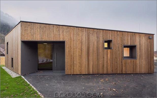 3-stöckiges Haus-Steilhang-Gras-überdachte Garage-7-Eingang.jpg