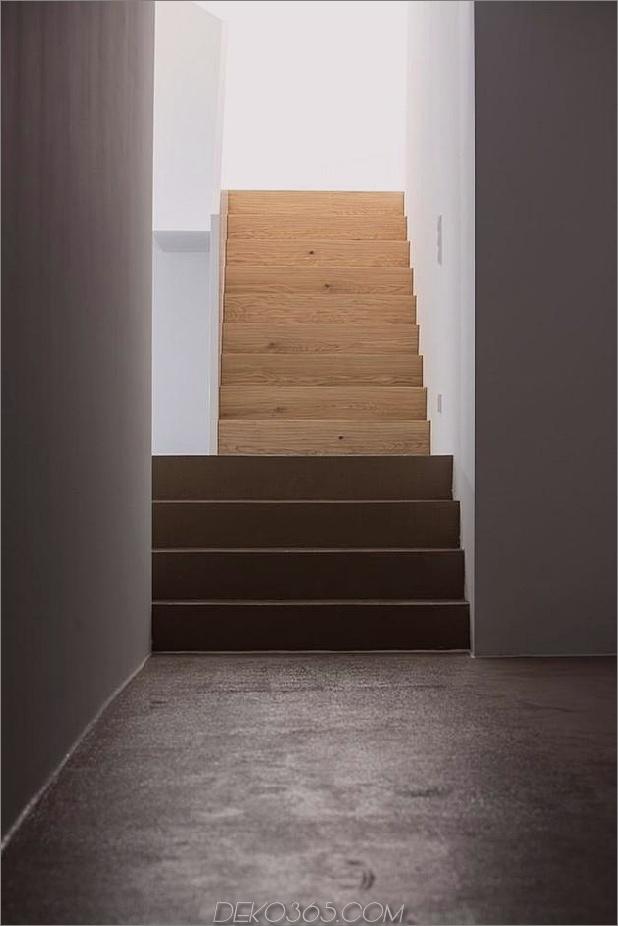3-stöckiges Haus-Steilhang-Gras-überdachte Garage-18-Garage.jpg
