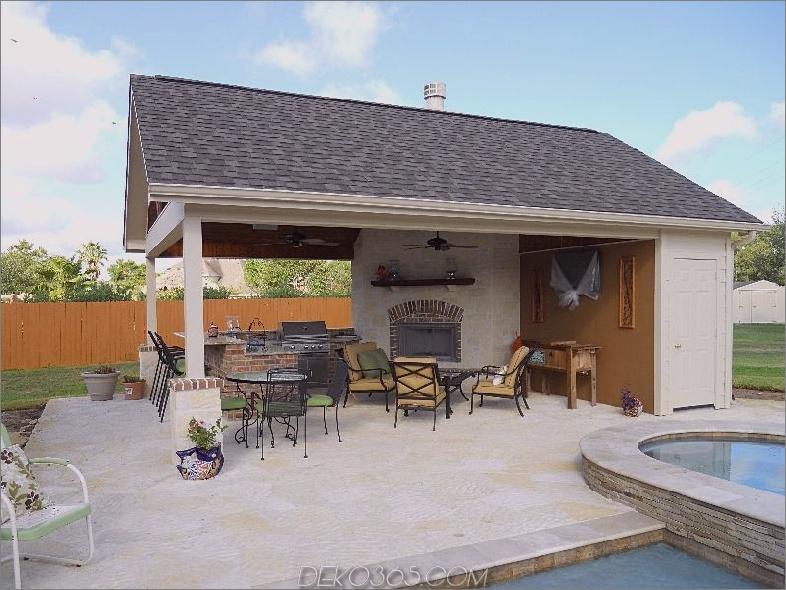 Außenküche mit Pool