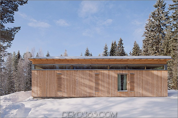 4-season-timber-cottage-built-by-single-carpenter-5-rear.jpg