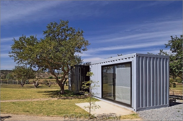 13-house-4-shipping-container-1-guests.jpg