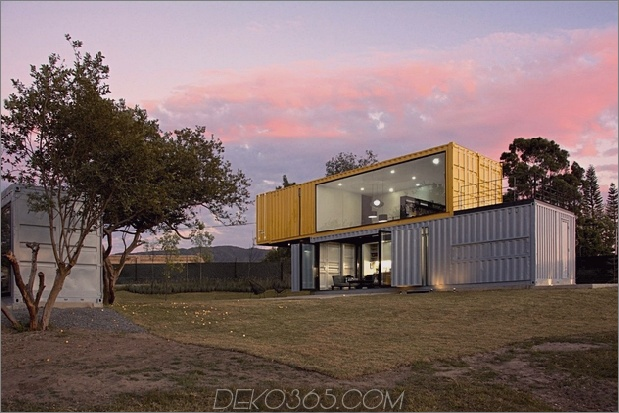 15-house-4-shipping-container-1-guests.jpg