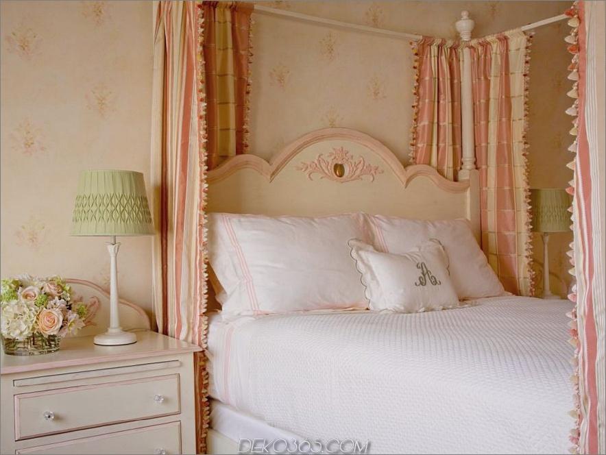 Schlafzimmer mit Pfirsich und Creme