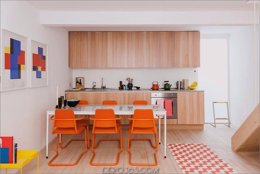 Orange Blau- und Holzraum