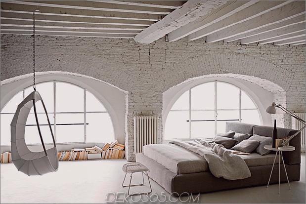 Land-Schlafzimmer-mit-Ziegelbalken-Mylo-Ivano-redaelli.jpg