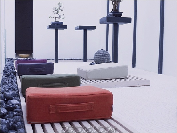 poufs-for-modern-rooms-ergo.jpg