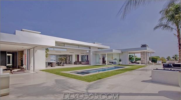 Modernes Meisterwerk der 70er Jahre 1 Pool thumb 630xauto 41366 70er Jahre Haus in modernes Beverly Hills Masterpiece umgewandelt
