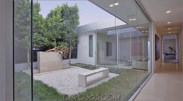 70er-Haus-umgebaut-modern-Meisterwerk-21-Hof.jpg