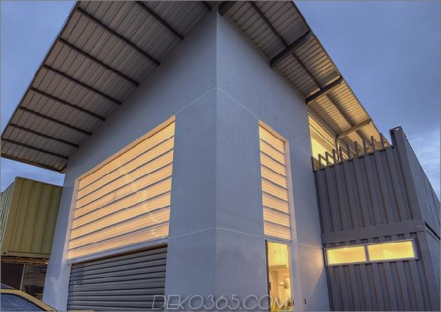 8 Versandbehälter bilden ein atemberaubendes 2-stöckiges Zuhause_5c58de3c57b95.jpg