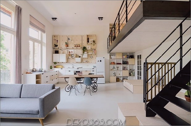 Altes Schulhaus in Amsterdam open living thumb 630xauto 58360 Altes Schulhaus in 10 Loft-Apartments umgewandelt