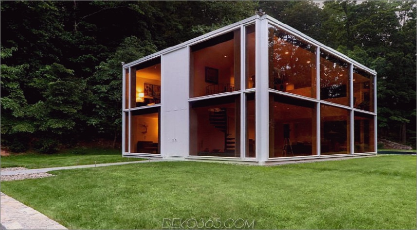 Restauriertes Haus in New York mit Glasfassade