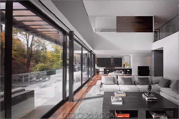 atemberaubende Details große offene Flächen definieren toronto home 2 living thumb 630x419 18648 Atemberaubendes Toronto-Zuhause mit einem Arty-Treppenhaus und einem komfortablen Büro