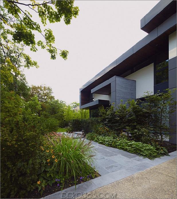 atemberaubende Details-große-Freiflächen definieren Toronto-home-26-path.jpg