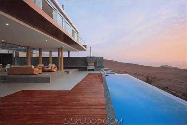 atemberaubend-ultramodern-strandhaus mit glas-wänden-5-deck-pool.jpg