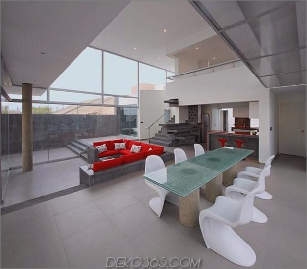 atemberaubend-ultramodern-Strandhaus-mit-Glas-Wände-14-Rückansicht.jpg