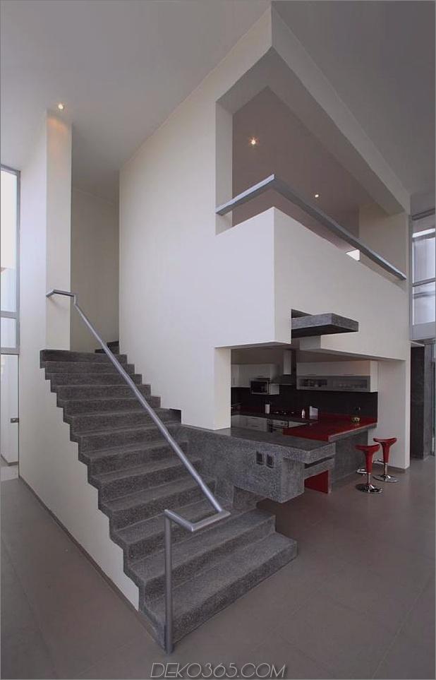 atemberaubend-ultramodern-Strandhaus-mit-Glas-Wände-16-Innentreppen.jpg