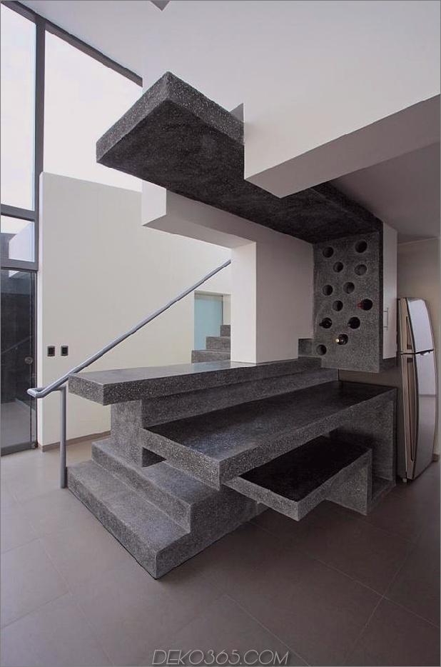 atemberaubend-ultramodern-Strandhaus-mit-Glas-Wände-17-skulptural-storage.jpg