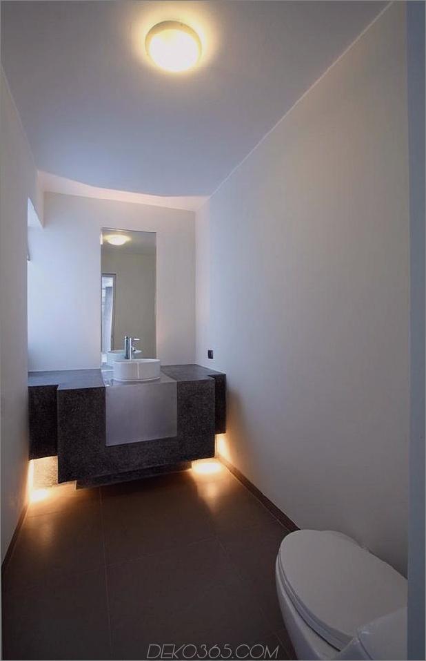 atemberaubend-ultramodernes Strandhaus mit Glaswänden-18-bathroom.jpg