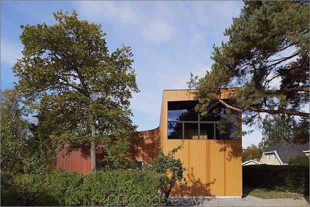 schwedisches Einfamilienhaus mit Farben inspiriert Buch 1 Bäume Fassade Daumen 630x420 23725 Sweeping schwedisches Einfamilienhaus mit Farben inspiriert von Buch