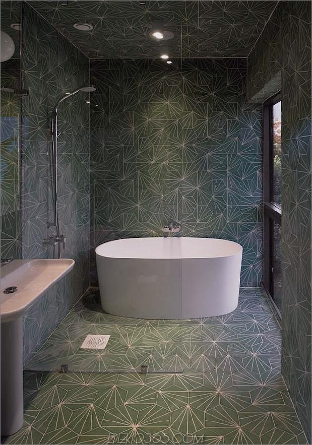 schwedisch-schwedisch-familienheim-mit-farben-inspiriert-book-16-bathroom.jpg