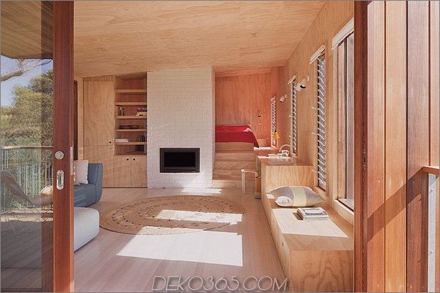 awesome-timber-beach-shack-finish-sperrholz-4-interior.jpg