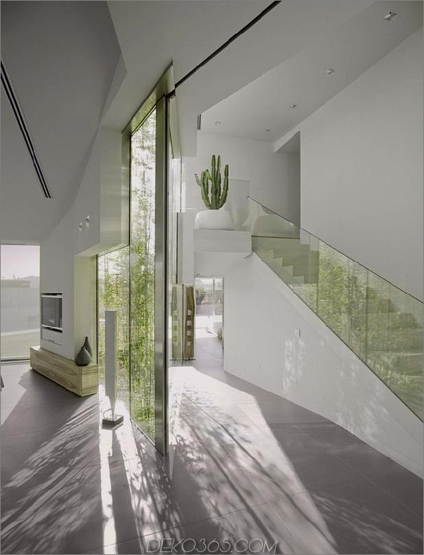 barcelona-house-mit-imposanten aussenansicht-und-süßen-zentralen-hof-9.jpg