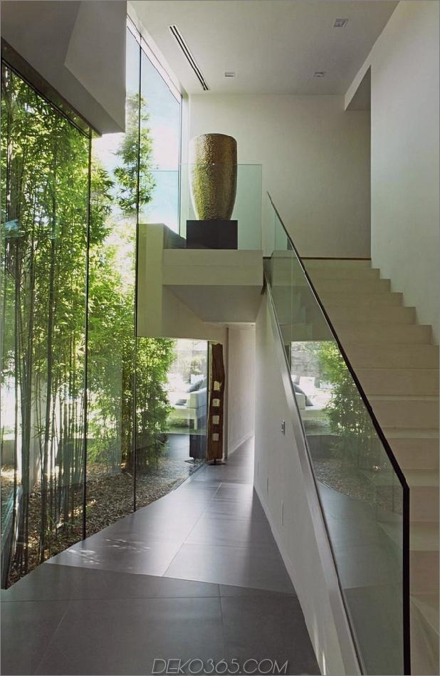 barcelona-house-mit-imposanten aussenansicht-und-süßen-zentralen-hof-10.jpg