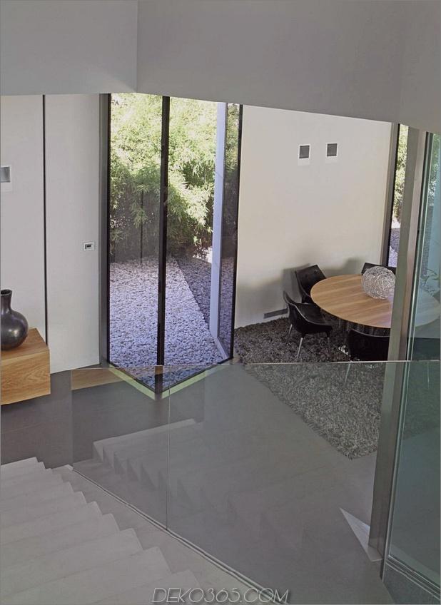 barcelona-house-mit-imposanten aussenansicht-und-süßen-zentralhof-13.jpg