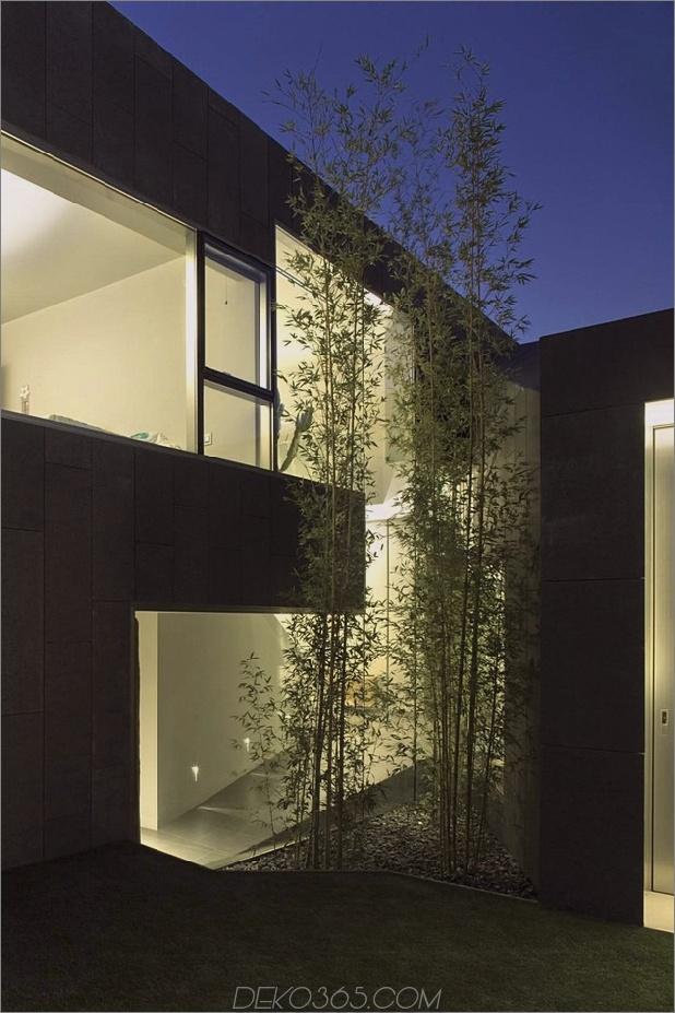 barcelona-house-mit-imposanten aussenansicht-und-süßen-zentralhof-15.jpg