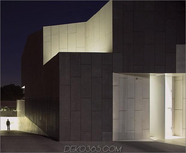 barcelona-house-mit-imposanten aussenansicht-und-süßen-zentralen-hof-16.jpg