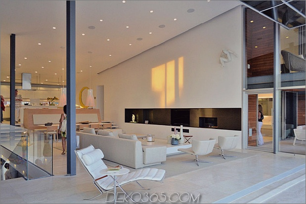 bbs-panel-home-poolside-terrace-border-beach-10-ensuite.jpg