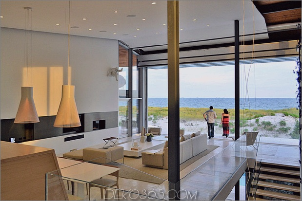 bbs-panel-home-poolside-terrace-border-beach-23-kitchen-view.jpg