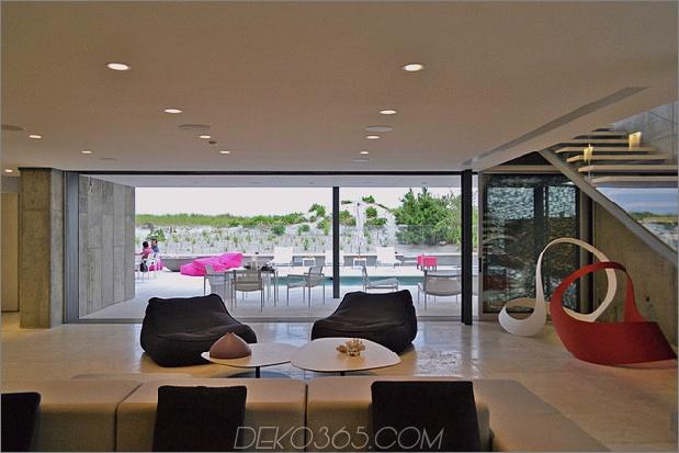 bbs-panel-home-poolside-terrace-border-beach-31-family.jpg