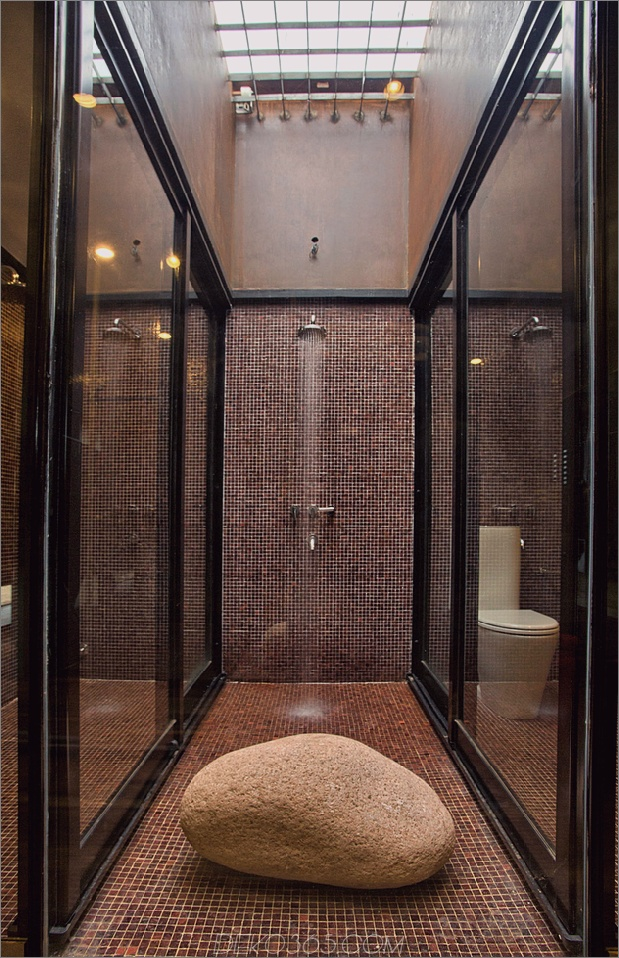 17-minimalistisches Haus-Fluss-Felsen-rostiges-Stahl.jpg