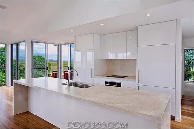 peregian-house-bietet-custom-solution-to-evolving-family-life-10.jpg