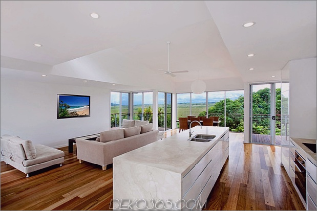 peregian-house-bietet-custom-solution-to-evolving-family-life-11.jpg