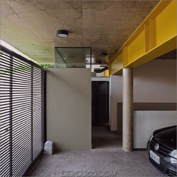 Beton-Würfel-Haus-unterstützt-2-Gelb-ich-Balken-5-Garage-Interieur.jpg
